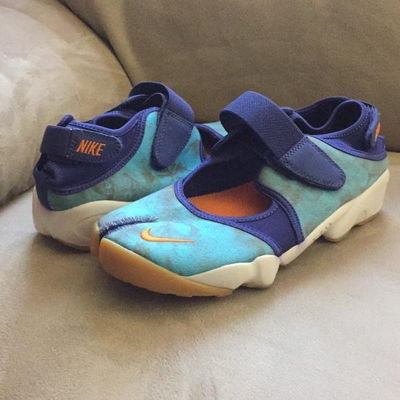 Nike Air Rift Premium QS women s sneaker 848502 9676b0239